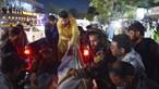 Dezenas de mortos e mais de 50 feridos em explosões à porta do aeroporto de Cabul