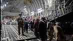 Centenas de americanos e colaboradores afegãos deixados para trás após retirada dos EUA de Cabul