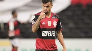 Jorge Jesus ajuda avançado do Flamengo