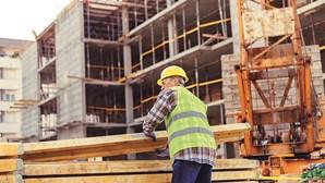 Salário médio no setor da construção civil sobe para 1029,3 euros