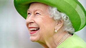 Rainha Isabel II cria 'sinal secreto' para comunicar com assessores reais