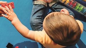 Pais já podem entrar na creche para deixar ou ir buscar os filhos