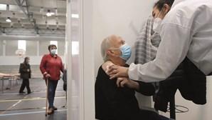 Mais de 99% de mortes por Covid-19 ocorreram sem a vacinação completa