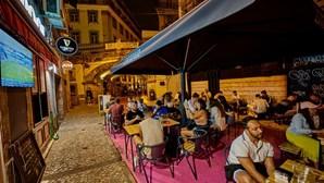 19 mortos e 2076 infetados com Covid-19 nas últimas 24 horas em Portugal