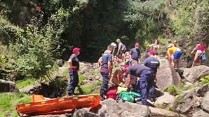 Homem resgatado após queda em cascata no Gerês
