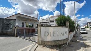 Fábrica de 'elite' Dielmar origina crise social