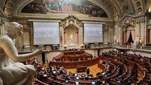 Suspensão de funções de deputados em eleições só em 2023