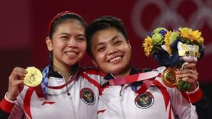 Par de badminton que ganhou 'ouro' em Tóquio vai receber casa, dinheiro, vacas e café para vida
