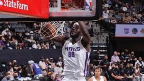 Neemias Queta já se estreou pelos Sacramento Kings