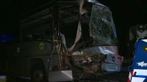 Colisão entre autocarro e viatura de limpeza faz 14 feridos em Lisboa