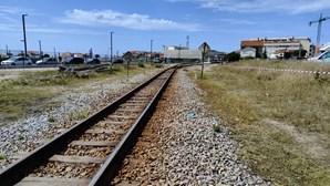 Homem gravemente ferido ao ser colhido por comboio na linha do Vouga em Espinho