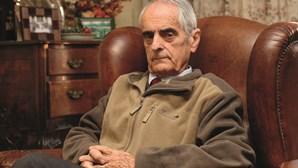 """Carlos Azeredo: O """"Herói esquecido"""" que morreu aos 90 anos"""