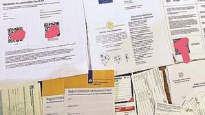 Médicos envolvidos em venda de certificados de vacinação falsos através da Internet