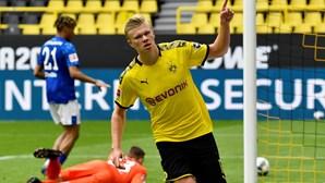 Haaland tem lesão na anca e volta a desfalcar Borussia Dortmund