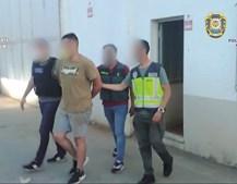 Suspeito mais novo a ser detido por elementos das três forças de segurança que fizeram a operação, em Vila Real
