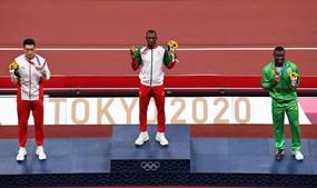 Pichardo sobe ao pódio no Estádio Olímpico de Tóquio