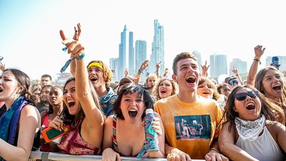 Sem máscara e todos testados: Festival de música Lollapalooza regressa a Chicago para delírio dos festivaleiros