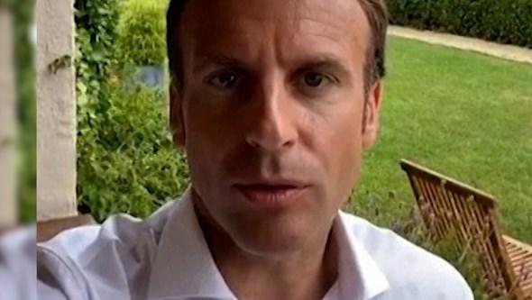 Macron usa TikTok e Instagram para reafirmar necessidade de terceira dose da vacina da Covid-19