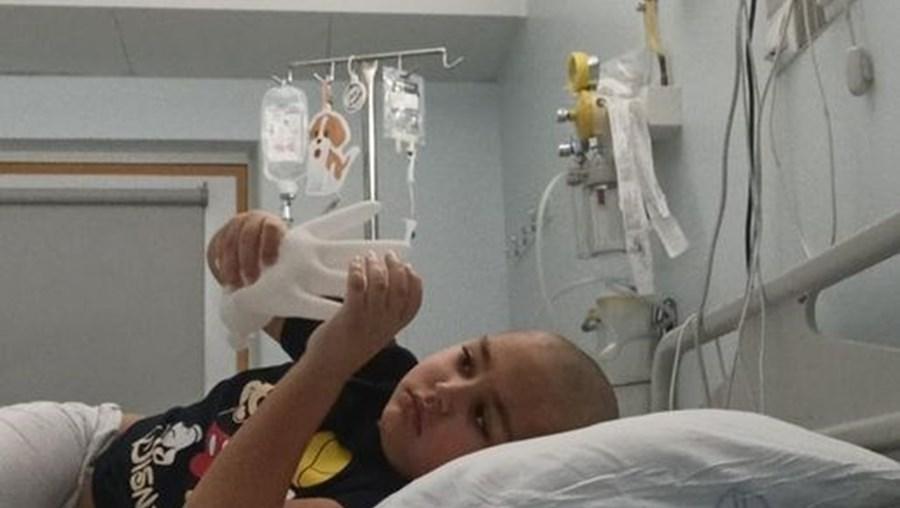 David tem seis anos e espera um transplante de medula.