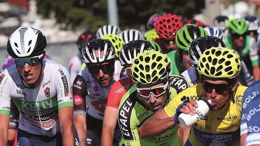 Ciclistas na Volta à Portugal