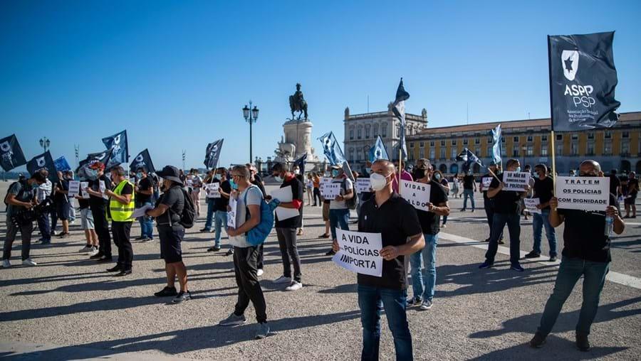 Terreiro do Paço , em Lisboa, tem sido palco de manifestações de elementos da PSP e GNR durante as negociações