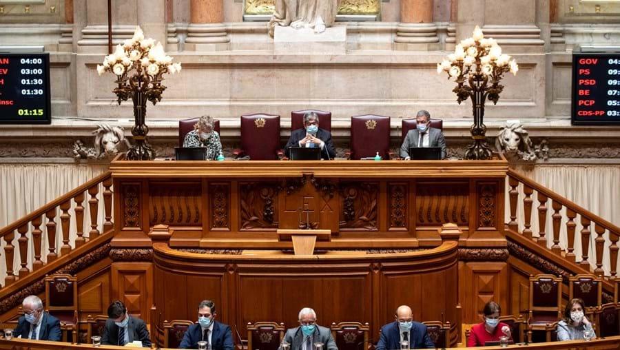 Lei estipula que titulares de cargos públicos, como é o caso dos políticos ou dos juízes, têm de declarar rendimentos