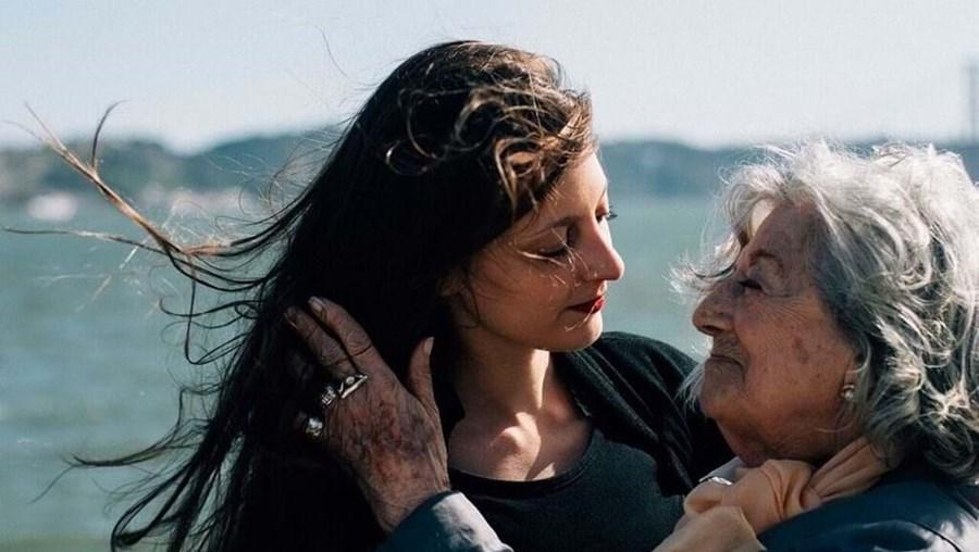 Eunice Muñoz com a neta