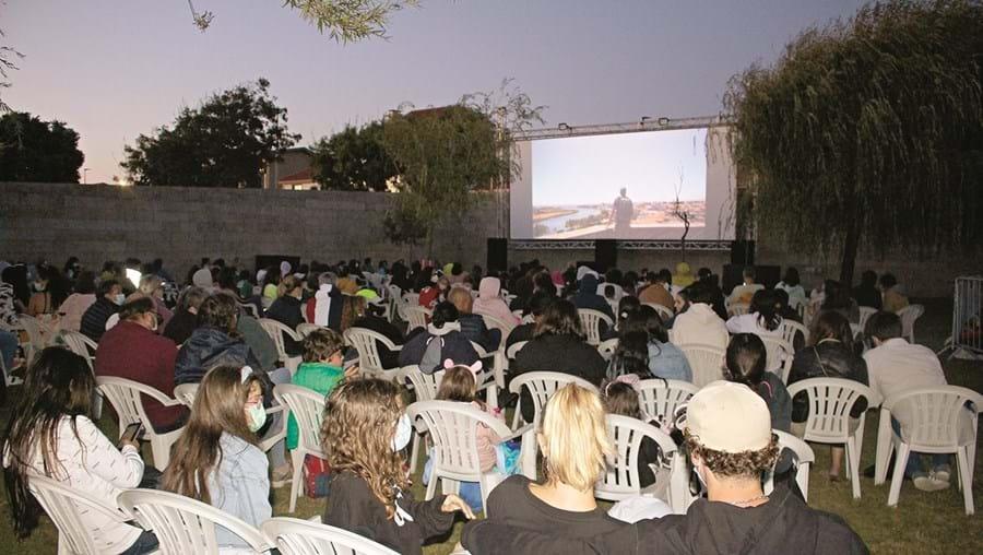 Caravana leva cinema a 27 cidades