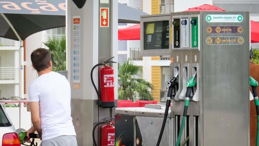 Gasolina está a subir há oito meses consecutivos em virtude do aumento da procura nos mercados internacionais