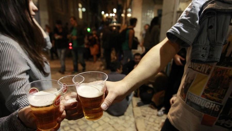 Lesaram fisco em mais de 290 mil euros com negócio de bebidas alcoólicas