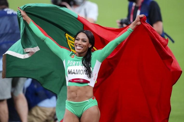 Patrícia Mamona vence medalha de prata nos JO