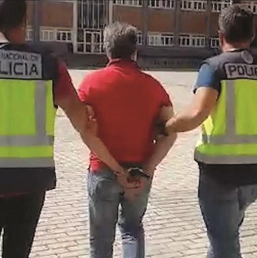 Autoridades espanholas divulgaram imagens do momento em que o cabecilha da máfia foi detido