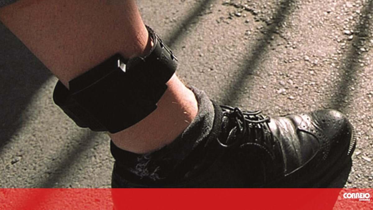 Pulseira eletrónica para homem de 54 anos em Penafiel por violência doméstica