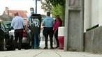 Pai de menina que fugiu com a mãe para não ser vacinada chama a polícia à escola