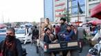 Talibãs vão adotar temporariamente Constituição afegã datada da monarquia