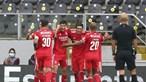 João Mário aumenta a vantagem das águias com o terceiro golo do jogo