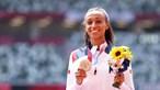 Namorada de Nelson Évora e medalhada olímpica compra carro de luxo e é arrasada nas redes