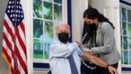 Presidente dos EUA Joe Biden recebe terceira dose da vacina contra a Covid-19