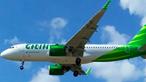 Criança sem supervisão dos pais obriga avião a aterrar de emergência ao tentar abrir porta