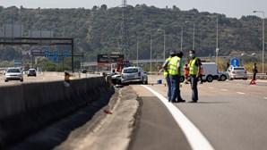Colisão entre quatro carros mata mulher e fere oito pessoas na A1 em Santarém