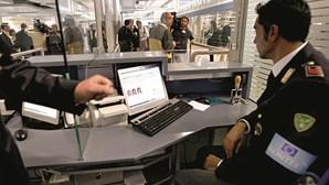 SEF deteve homem com mandado de captura no aeroporto do Porto