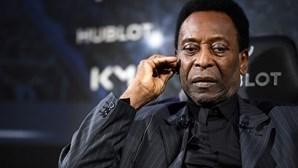 """Pelé está a recuperar de """"forma satisfatória"""""""