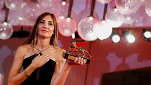 Cineasta francesa Audrey Diwan vence Leão de Ouro de Veneza com segunda longa-metragem