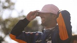 Ricciardo herói em Monza em corrida acidentada para Verstappen e Hamilton