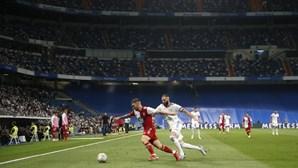 Real Madrid vence Celta com 'hat-trick' de Benzema e sobe à liderança em Espanha