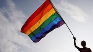 """""""Doença atual: Homossexualidade"""": o diagnóstico de uma ginecologista que está a chocar Espanha"""