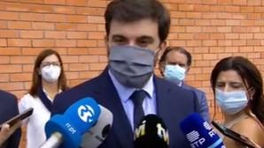 Ministro da educação defende o uso de máscara nas escolas