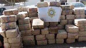 Cabo Verde volta a tentar vender cargueiro da maior apreensão de droga