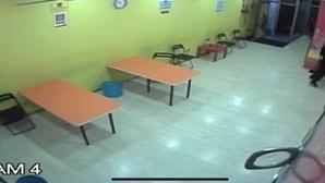 Câmaras de videovigilância apanham ladrão a tentar assaltar lavandaria em Matosinhos