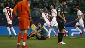 Sporting goleado por 1-5 pelo Ajax no regresso à Liga dos Campeões